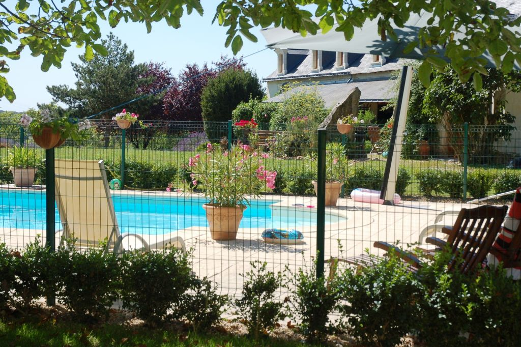 Logis du pressoir piscine et jardin