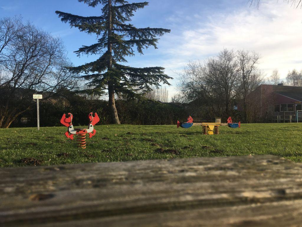Fontaine-Guérin espace jeux 1